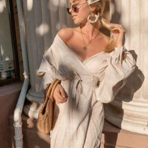Приобрести в подарок бежевое женское платье из натурального льна на запах оптом Украина