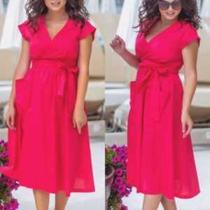 Купить в интернет-магазине женское на лето элегантное платье батал изумрудного цвета красной малины больших размеров дешево