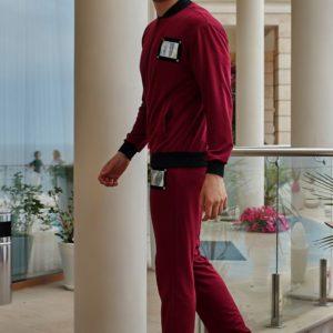 Заказать недорого мужской спортивный с нашивками костюм philipp plein цвета бордового больших размеров в подарок