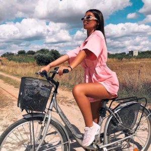 Заказать недорого женский комбинезон с шортами из коттона розового цвета в подарок