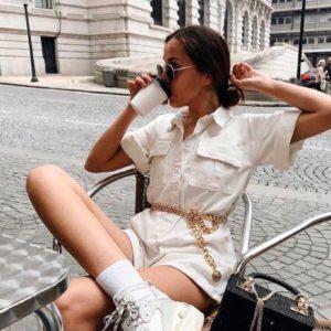 Приобрести дешево женский с шортами комбинезон из коттона белого цвета оптом Украина