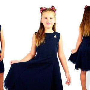 Приобрести недорого детский сарафан школьный, отделка с турецкого синего кружева и брошью для девочек синего цвета оптом Украина