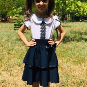 Заказать в подарок детскую школьную юбку на резинке с баской клеш для девочек цвета синего дешево