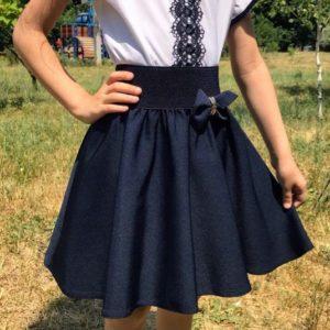 Заказать в подарок школьную юбку детскую на резинке клеш с подкладкой синего цвета дешево