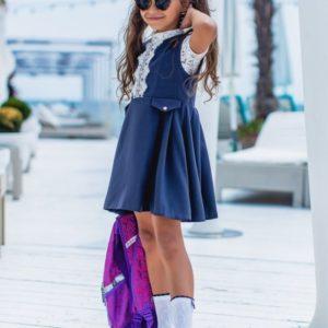 Купить дешево детский школьный сарафан с белоснежным рисунком сверху для девочек цвета синего в подарок