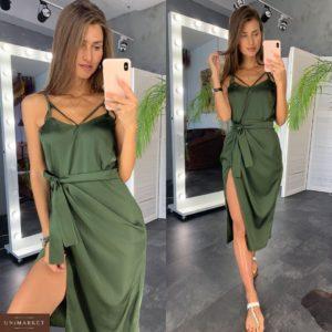 Заказать оптом шелковое женское платье цвета хаки с разрезом и поясом дешево