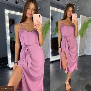 Заказать недорого женское шелковое платье с разрезом и поясом лилового цвета в подарок