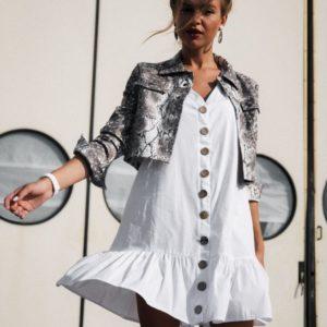 Заказать недорого женское платье из тонкого хлопка с деревянными пуговицами белого цвета в подарок