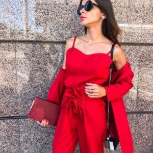 Заказать дешево деловой женский тройка костюм из костюмки креп красного цвета недорого