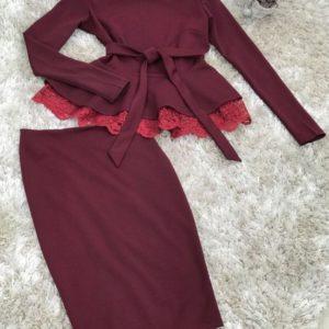 Приобрести дешево женский костюм из трикотажа французского, дорогое итальянское кружево цвета марсала батал недорого