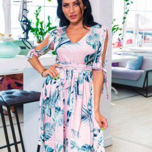 Купить оптом женское платье принт из софта листья цвет пудра батал в подарок