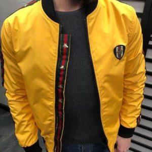 Заказать недорого мужскую куртку из плащёвки в стиле Gucci канада желтого цвета батал в подарок