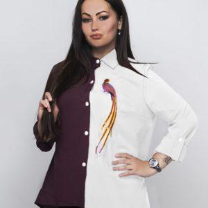 Заказать в интернет-магазине женскую рубашку двухцветная вышивка птичка пояс в комплекте цвета марсала-белого батал дешево