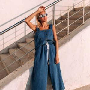 Приобрести льняной женский костюм: джинсового цвета кюлоты + майка оптом Украина