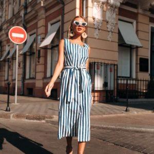 Приобрести в интернет-магазине женское миди платье в бело-синюю полоску из котона стрейч дешево