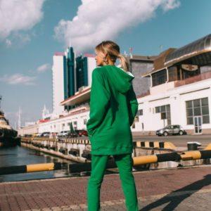 Приобрести дешево женский костюм спортивный худи с капюшоном зеленого цвета недорого