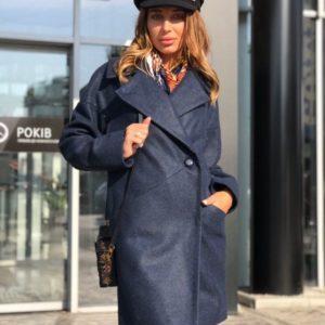 Купить недорого женское шерстяное на пуговице пальто с карманами цвета синего в подарок