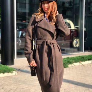 Купить недорого женское пальто с поясом длинное шерстяное цвета светло-коричневого в подарок