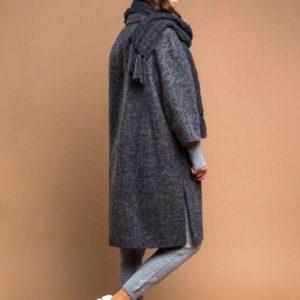 Купить недорого женское пальто с разрезом из валяной шерсти темно-серого цвета в подарок