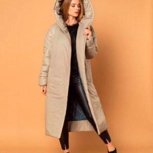 Купить недорого женское пальто с капюшоном из плащевки на кнопках цвета оливки в подарок