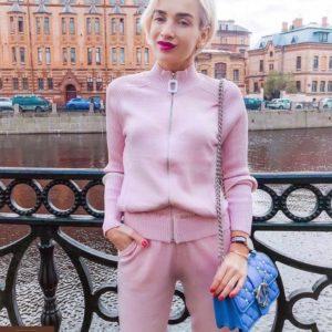 Купить недорого женский универсальный спортивный костюм kenzo цвета пудры в подарок