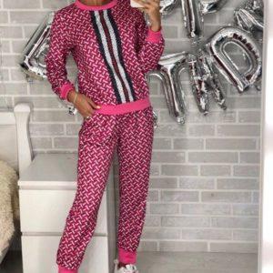 Заказать в подарок женский универсальный спортивный костюм из стрейч коттона малинового цвета оптом Украина