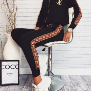 Заказать в подарок женский прогулочный костюм louis vuitton черного цвета оптом Украина