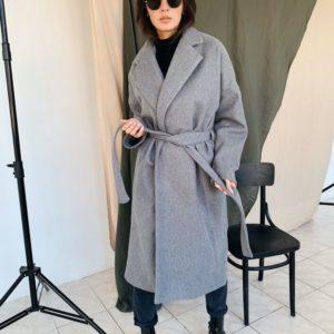 Заказать в подарок женское кашемировое пальто с поясом серого цвета оптом Украина