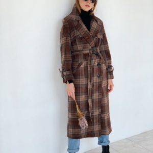 Заказать пальто женское длинное на осень из кашемира и шерсти цвета темно-коричневого в клетку недорого