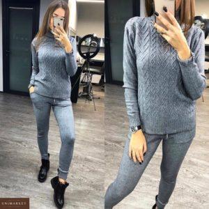 Заказать в подарок женский прогулочный костюм спортивный с фактурным узором серого цвета оптом Украина