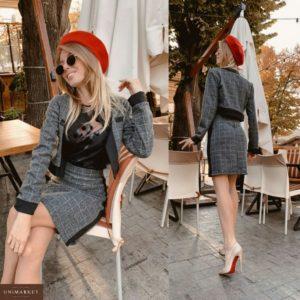 Заказать в подарок женский костюм в клетку (пиджак и юбка) из трикотажа с шерстью серого цвета оптом Украина