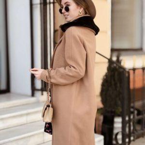 Приобрести в интернет-магазине пальто прямое коричнево-светлое в рубчик дешево