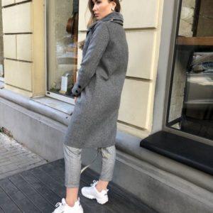 Заказать в подарок женское серое пальто на пуговице со сьемным воротником оптом Украина