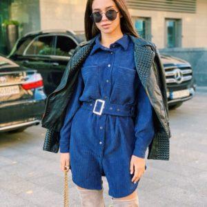 Заказать в подарок женское платье-рубашка вельветовое с поясом синего цвета оптом Украина