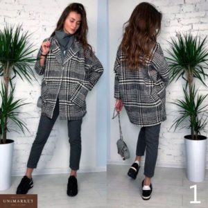 Заказать в подарок женское пальто из твида на пуговице оптом Украина