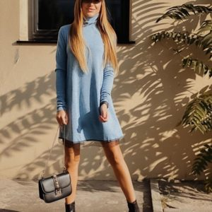 Заказать в подарок женское платье трапеция с кружевом из ангоры софт голубого цвета оптом Украина