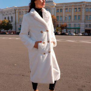 Приобрести в интернет-магазине женскую шубу на шелковой подкладке свободного кроя белого цвета дешево