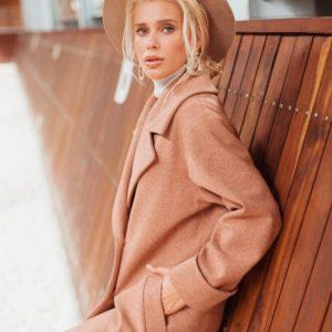 Заказать в интернет-магазине женское длинное шерстяное пальто на сатиновой подкладке с поясом коричневого цвета дешево