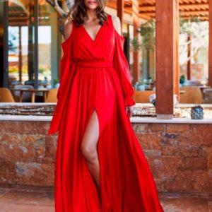Заказать в подарок женское платье вечернее шелковое длинное с плечами оголёнными красного цвета оптом Украина