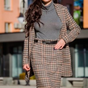 Заказать в подарок женский шерстяной удлиненный пиджак с поясом в комплекте оптом Украина