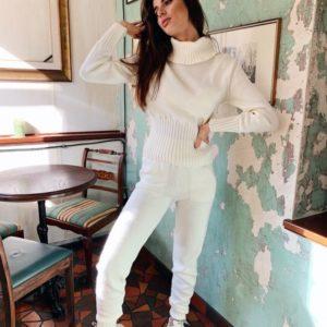 Приобрести в интернет-магазине женский спортивный прогулочный костюм вязаный нитка белого цвета дешево
