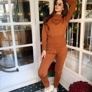Купить недорого женский костюм прогулочный спортивный вязаный нитка марс цвета коричневого в подарок