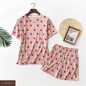 Заказать в подарок женскую пижаму пудровую с шортами футболкой и сердечками оптом Украина