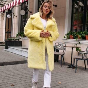 Заказать дешево женскую шубу на утеплителе из искусственного меха кролика желтого цвета недорого