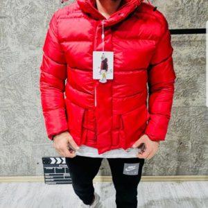 Купить в интернет-магазине мужскую куртку пуховик Moncler с лацканами крутыми цвета красного размеров больших дешево