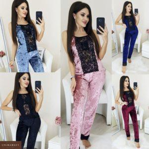 Приобрести в интернет-магазине женскую пижаму: штаны + топ из бархата с кружевом цвета пудры дешево