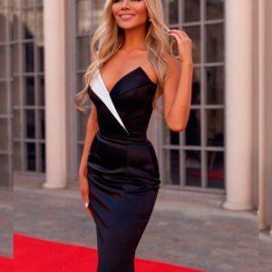 Заказать в подарок женское силуэтное платье из костюмной ткани с красивым декольте черного цвета оптом Украина