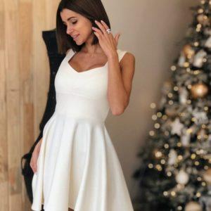 Купить недорого женское нарядное платье с юбкой широкой молочного цвета в подарок