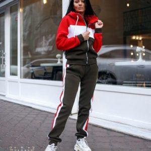 Купить оптом женский костюм на флисе с капюшоном спортивный цвета хаки батал в подарок