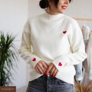 Приобрести в интернет-магазине женский свитер кашемировый оверсайз с сердечками белого цвета дешево